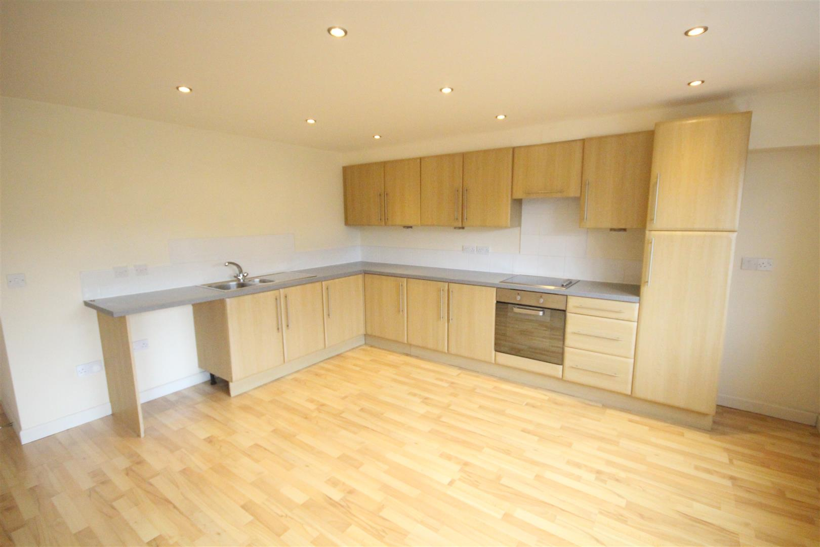 2 bedroom apartment For Sale in Colne - IMG_3443.jpg